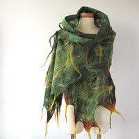 Cobweb Felted scarf - Green forest