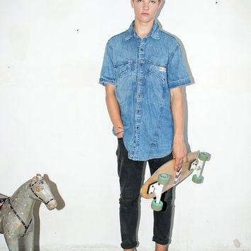 blue acis wash denim shirt. short sleeved jean shirt. normcore button up shirt. slim classic fit. 1990s