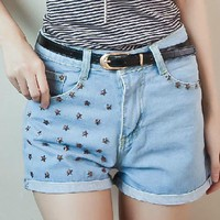 Star Shape Rivet Frayed Hemline Shorts