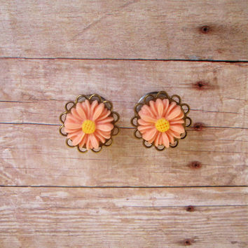 "Pair of Daisy Filigree Plugs - Silver or Antique Brass - Girly Gauges - 4g, 2g, 0g, 00g, 7/16"", post earrings (5mm, 6mm, 8mm, 10mm, 11mm)"