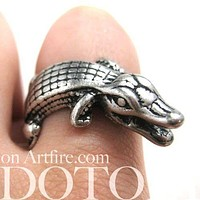 Crocodile Alligator Animal Wrap Around Ring in Silver | Sizes 6 to 8