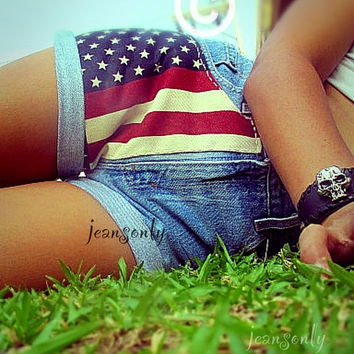 Vintage Levis  high waisted American flag denim shorts by Jeansonly