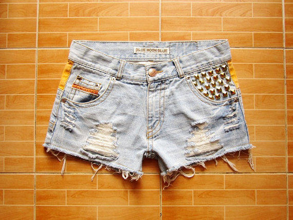 Vintage Hipster Low Waist Light Blue Jeans Gold Pyramid Studded Cut Off Shorts