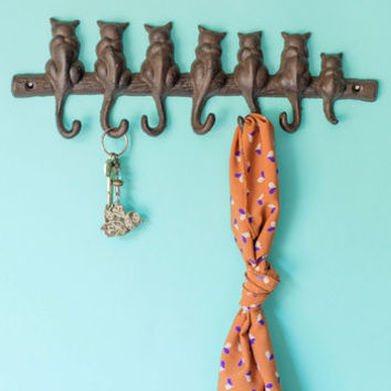 ModCloth Cats Cat-alyst for Change Wall Hooks