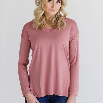 Rosewood DLMN V-Neck High-Low Top