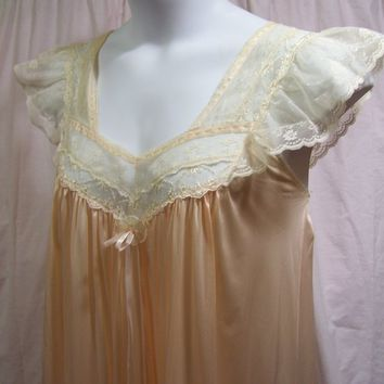 Diane von Furstenberg, Nightgown,  Liquid Satin, Peach, Sexy Night gown, Size L Large, Honeymoon, Romantic, Cruise Resort Wear