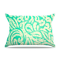 "Alveron ""Spring Paisley"" Pillow Case"