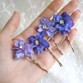 periwinkle purple flower hair clips  TWINKLE by thehoneycomb
