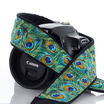 037 Peacock Feathers Camera Strap