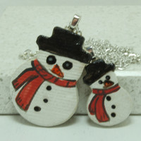 Snowman pendant set for Mother and Daughter Red Scarf Aromatherapy pendants