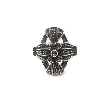 Art Deco Ring, Vintage Sterling Silver Marcasite Ring, 1950s Jewelry, Art Deco Jewelry, Size 7 3/4 Ring