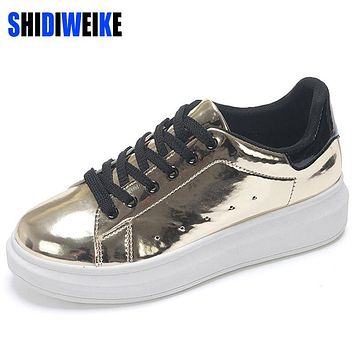 SHIDIWEIKE Patent Leather Creepers Platform Shoes Woman 2017 Casual Loafers Gold Silver Flats Lace-Up Women Shoes B885