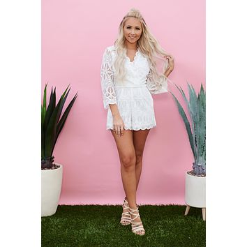 Cameras Flashing Lace Romper (Ivory)