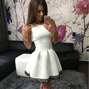 Sleeveless Pleated Dress with Lace