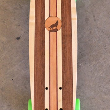 "22 inch Mini Penny kicktail Skateboard ""Honolua Bay"" with wolf inlay, complete"