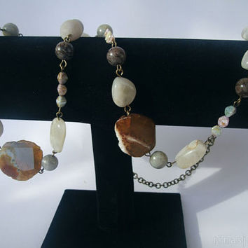 Extra long semiprecious gemstones necklace | Moonstone and agate gems, really long necklace
