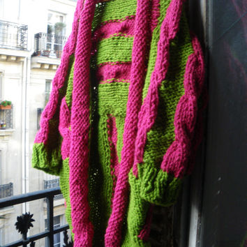 Handknitted long rustic open coat,jacket,cardigan,kimono,boho,huge fuschia pink cables and rim on green background,pure french wool