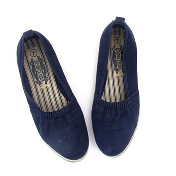Vintage blue espadrilles /  cotton fabric slip on shoes / womens size 7