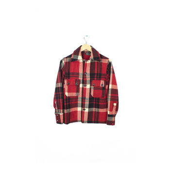 Chippewa Woolen Mills VIntage 1950s 1940s Wool Flannel Shirt / Classic Lumberjack Red & White Buffalo Plaid / Mens Small