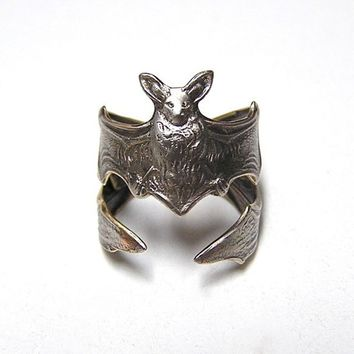 Gothic Steampunk Silver FLYING FOX Bat RING, Leathery wing wraps around finger