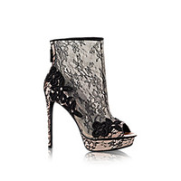key:product_share_product_facebook_title Daring Ankle Boot