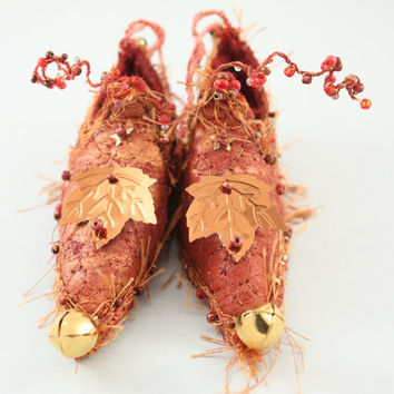 Fairy Shoes Copper and Red Gold belong to Rusty by NellsEmbroidery