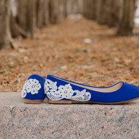 Blue Wedding Flats, Blue Flats, Wedding Shoes, Bridal Flats, Bridal Shoes, Flat Wedding Shoes, Ballet Flats with Ivory Lace.US Size 7.5