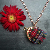 Tartan - Plaid locket, Mini clutch pendant. Two different sides, with natural linen, garnet and jade chips.