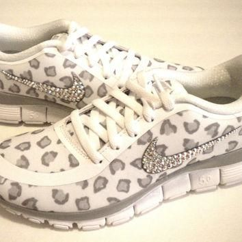 SALE!! Cheetah Nike Free Run 5.0 V4 Print Shoes - White / Wolf Grey / Pure Platinum