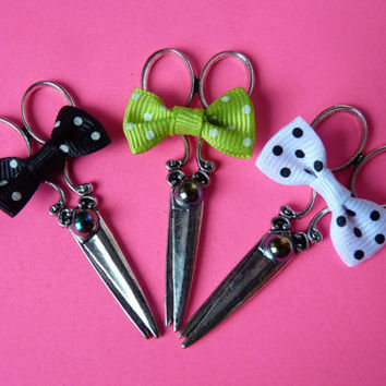 Scissors Black / White / Lime Polka Dot Bow Necklace Kawaii Gothic - Sweeney Todd Tim Burton Inspired
