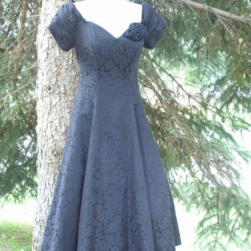 ON SALE 80s Black Brocade Dress Sweetheart Neckline Circle Skirt
