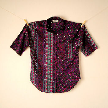 Vintage. 80's Purple Geometric Button Up Shirt. Oversized Top. Vertical Stripes. Collar. Short Sleeves. Pocket. Hipster. Indie. XS Small S