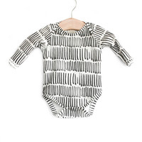 Organic Long-Sleeve Bodysuit in Cal Stroke