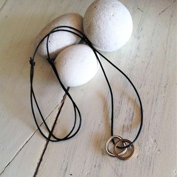 Rings leather necklace, uno de 50 style pendant, silver-bronze rings pendant, unisex leather necklace, circle leather necklace, mens jewelry