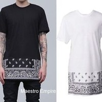 Extended Paisley Bandana Print Graphic Side Zip Tee T-Shirt Long Black White