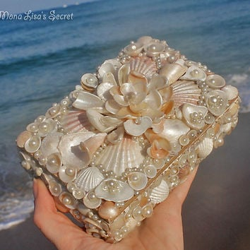 Seashell Jewelry Box, Beach Style Shell Chest, Coastal Decor Box, Mother's Day Gift, Beach Wedding Decoration, First Communion Gift
