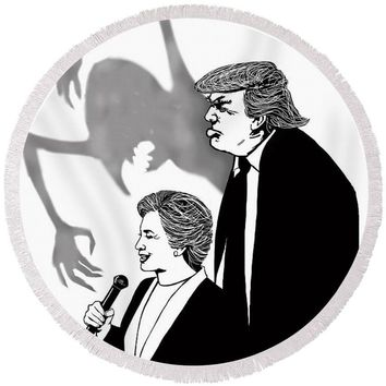 Looming Trump - Round Beach Towel