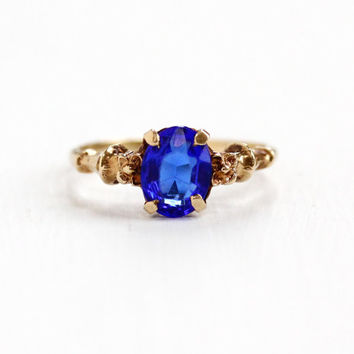 Vintage 10k Rosy Yellow Gold Simulated Sapphire Ring - Art Deco Size 5 3/4 Electric Cobalt Blue Oval Glass Stone Flower Motif Fine Jewelry