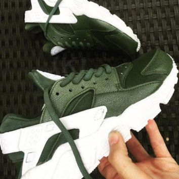 PEAPJ1A Nike Air Huarache Army custom