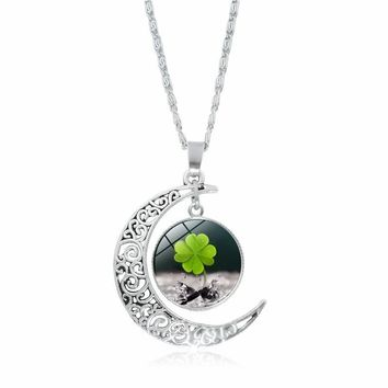 2018 New Lucky Clover Glass Cabochon Pendant Necklace Women Fashion Jewelry Silver Crescent Moon Necklace Love Gift
