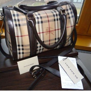 CREYIX5 Burberry women's Leather handbag bag haymarket Made in Italy.