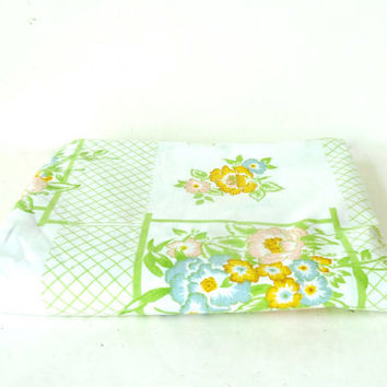 60s floral monticello twin flat  sheet . lime green . vintage home . spring bedroom