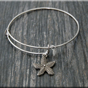 Silver Starfish Charm Expandable Bangle Bracelet, Adjustable Bangle Bracelet, Stacking Charm Bracelet, Ocean creature Bangle, Starfish Charm