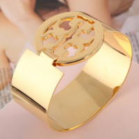 Tory Burch Fashion New Hollow Personality Women Bracelet Golden
