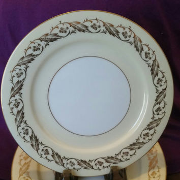 A Lovely Set of Four Vintage Noritake Luncheon Plates circa 1952  Pattern 5298