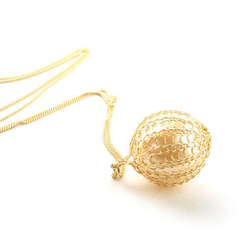 Pearl Pendant Gold Wire Crochet Necklace