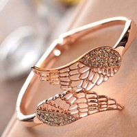 Beautiful wings bracelet