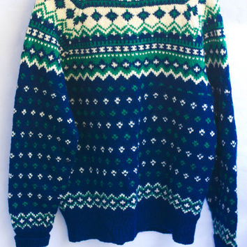 Vintage Nordic 60's Wool Hand knitted Sweater/ Pullover/Jumper by Brødrene Hallén, in Oslo Norway.
