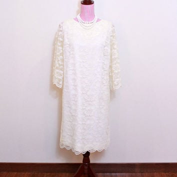 1960s Dress / VINTAGE / 60s / Wedding dress / Sheath Dress / Lace / Ivory / Silver / Sleeves