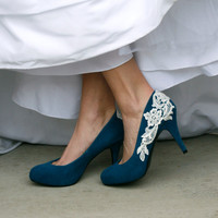 Teal Blue Heel With Venise Lace Applique Size 85 by walkinonair